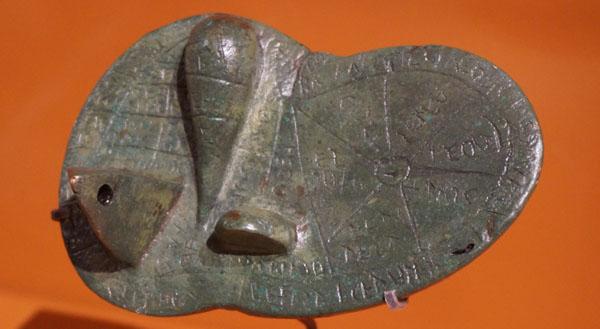 etrusques-haruspice1 600